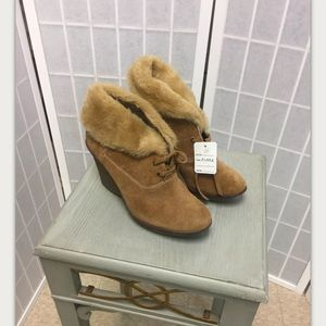 B. Makowsky, woman, boots, Brown, size 6M.: